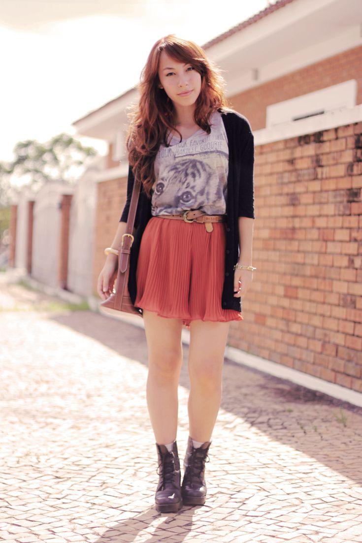 Look: short saia laranja