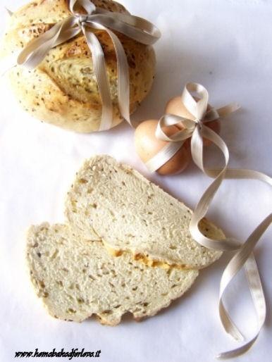 La Pasimata Pasquale - Il pane  (soffice pane arricchito con semi di anice)
