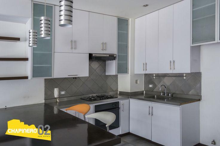 Se #vende #apartamento #duplex de 105 Mt2 + 23 Mt2 de terraza, ubicado en el #barrio #ElChico en #Bogota. Cuenta con (1) cuarto con opción de readaptar seunda alcoba, (3) baños, (2) parqueaderos, sala comedor, cocina abierta, zona de ropas, depósito y terraza. Para más información o agendar una visita comunicate con nosotros.