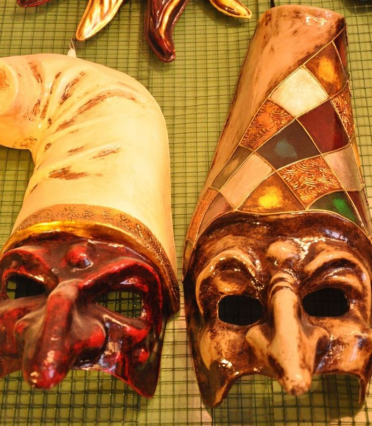 Masks of Benor Maschere Venezia;  Good information and history on them as well!