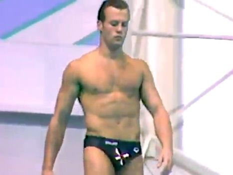 barely recognizable Jason Statham at age 20 diving at the 1990 Commonwealth Games!