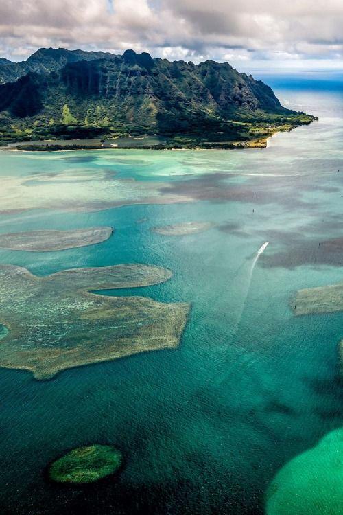 Mokoli'i, Hawaii by Eric Esterle