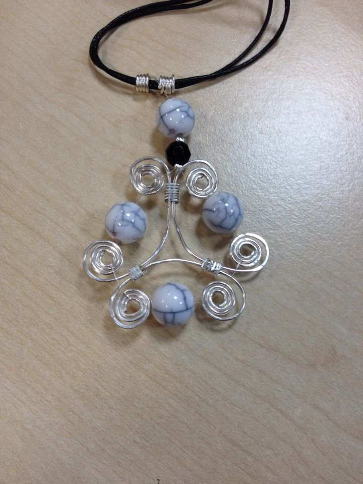 Celtic wire and bead pendant