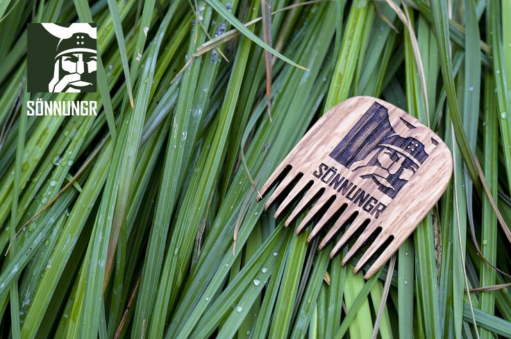 Skeggskambr: Traditional Viking Beard Com. Handmade with Traditional nordic materials. All naturally harvested. Finished with natural waxes.