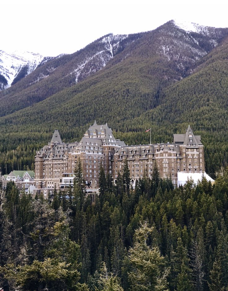 Banff Springs Fairmont Hotel - The Castle in the Rockies
