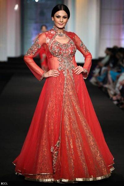 #Aamby Bridal Fashion Week 2012 | Ashima-Leena