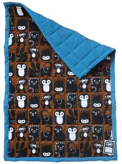 Mini Zoo quiltet babytæppe i blå - Nyt dansk designmærke. Tinga Tango Designbutik