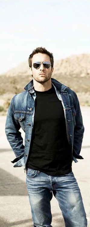 Alex O'Loughlin. Rocking the denim.