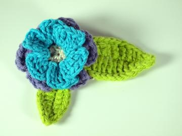 Crochet Hair Clip Ideas : Crochet, Hair clips and Crochet flowers on Pinterest