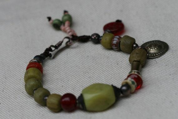 Festive Serpentine Bracelet by Tribalis on Etsy, $35.00: Serpentin Bracelets, Festivals Serpentin