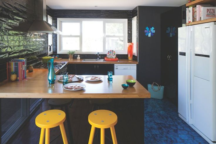 U-förmige Küche mit Bar hell Funktionsraum - http://schickmobel.com/u-formige-kuche-mit-bar-hell-funktionsraum/
