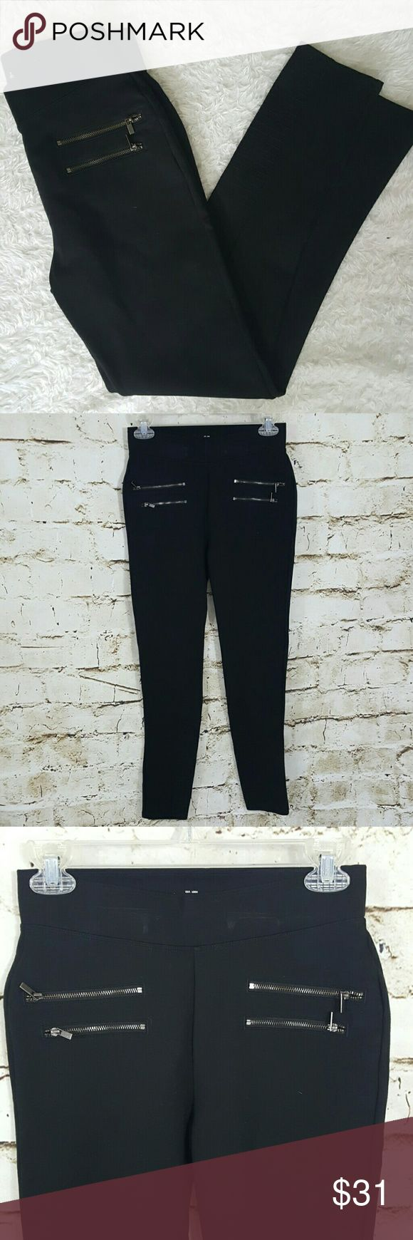 "Abercrombie and Fitch leggings Cute zipper detail on front make these leggings a bit more stylish and dressy.  You can wear high heels with these, compression body con fabric, 28"" inseam Abercrombie & Fitch Pants Leggings"