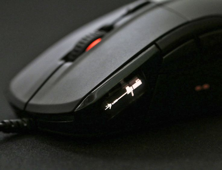 SteelSeries Rival 700 OLED Gaming Mouse » Immediately noticeable on this mouse is the OLED screen mounted on the side.