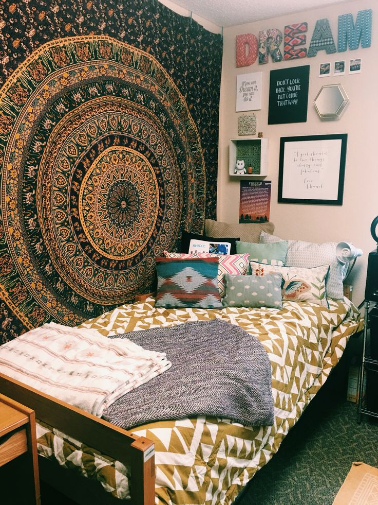 Kent State University Dorm Room #urbanoutfitters #UO #UOonCampus #homegoods