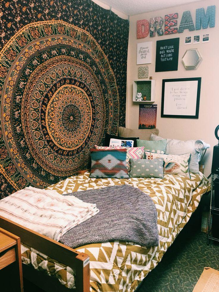 Kent State University Dorm Room #urbanoutfitters #UO #UOonCampus #homegoods