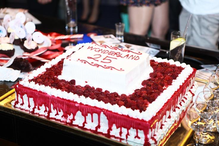 Lidyana sponsorluğunda düzenlenen Koray Caner'in 25. doğum günü etkinliği için hazırlanan pasta :) #wonderland25