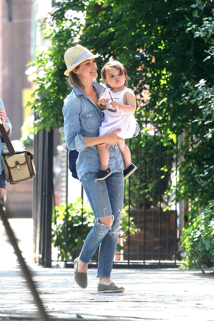 Keri Russell's Daughter Willa is getting SO big! See more pics: