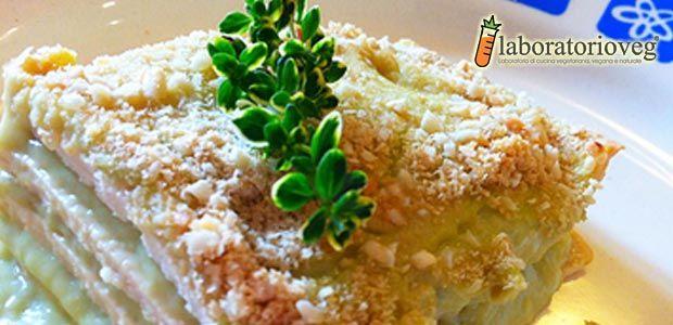 Quadrotti di tofu al forno con besciamella all'Asparago riciclato
