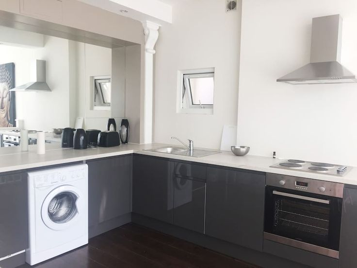 Check out this awesome listing on Airbnb: Amazingly large Fulham flat - Lofts for Rent in London