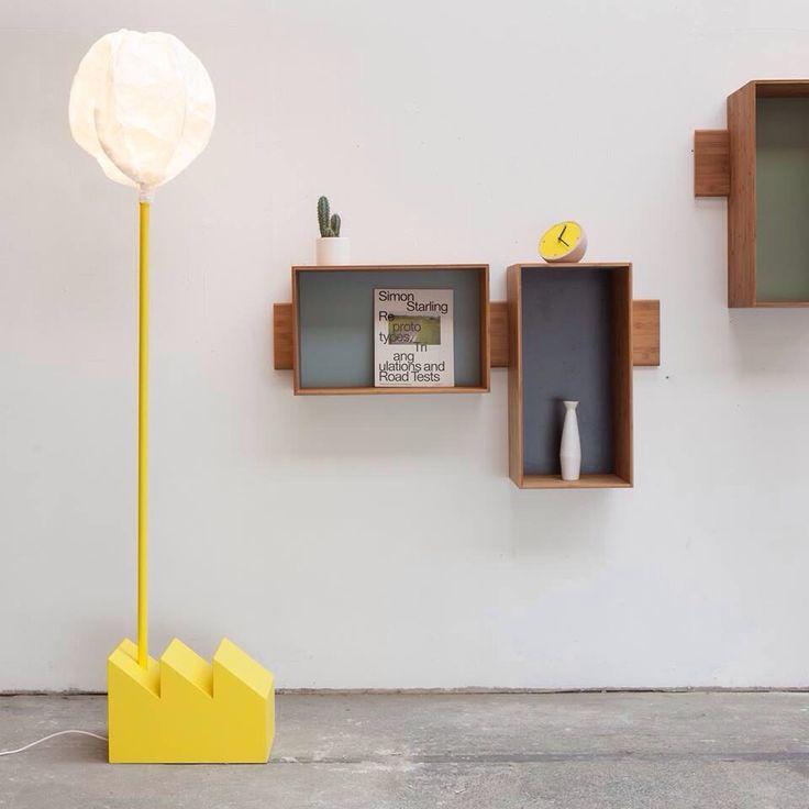 Lampadaire Smoke Factory jaune, éditée par Vertigo Bird et réalisée par Matija Bevk. #lampadaire #design #smoke #factory #usine #jaune #vertigo #bird #matija #bevk #chambre #enfant #lighting #kids