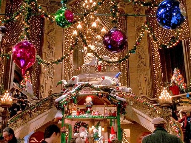 Duncan S Toy Chest From Home Alone 2 Lost In New York Christmas Classroom Door Christmas Classroom New York Christmas