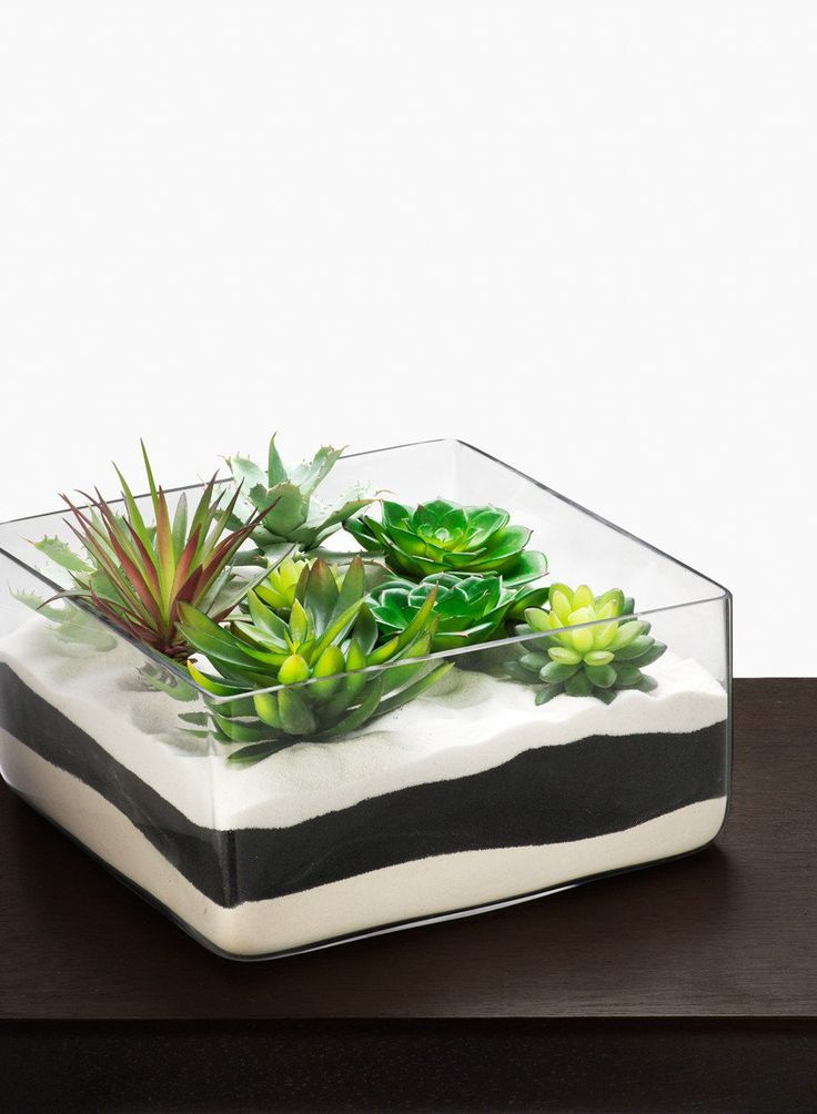In square glass bowl wedding centerpiece