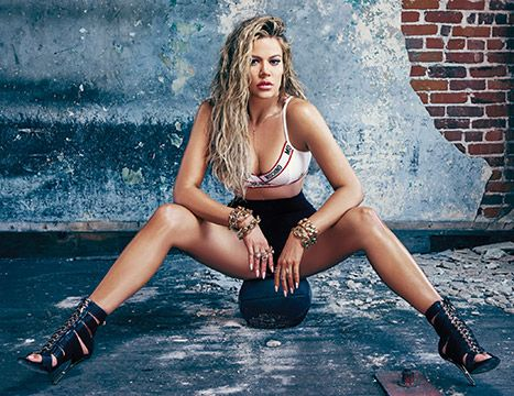 """Khloe Kardashian Knows People Think She's the """"Fat Funny One"""" - Us Weekly"""