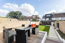 Whitton Drive:  Garden  by GK Architects Ltd