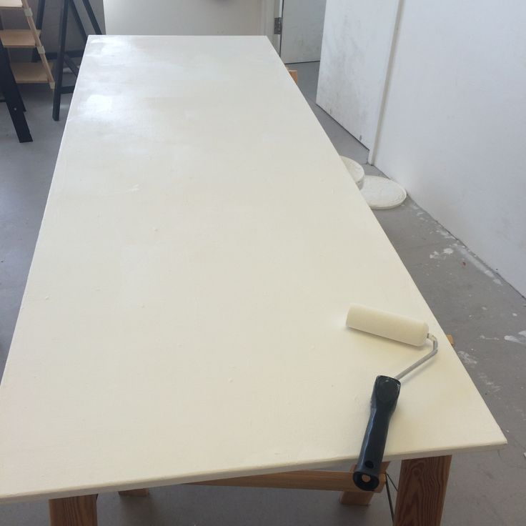 16/5/16 I found where my assessment studio space was and painted the table so that it is a nice clean background for my work to be shown on .