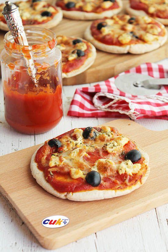 Pizza de Pollo Cuk con pan de pita