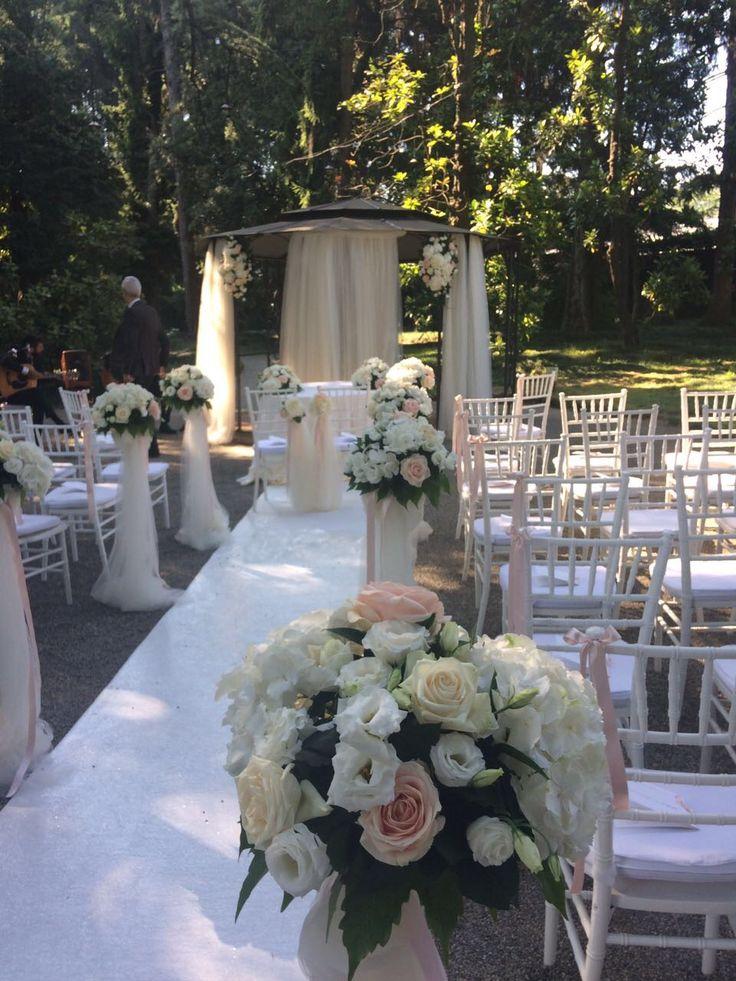 #villaacquaroli #weddingday #mywedding #peonies #hydrogenia #roses #florapiù