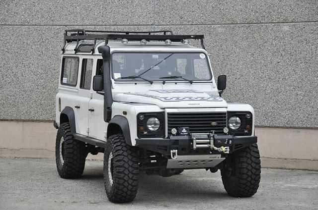 One #defender110csw ready for adventure. Source: Andrea Bassi #landrover #landroverdefender #landroverphotoalbum
