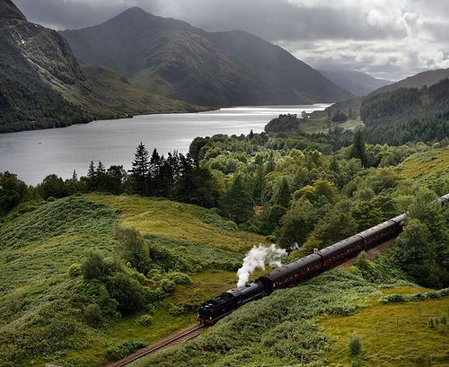 The Jacobite service run daily over the summer between Fort William and Mallaig