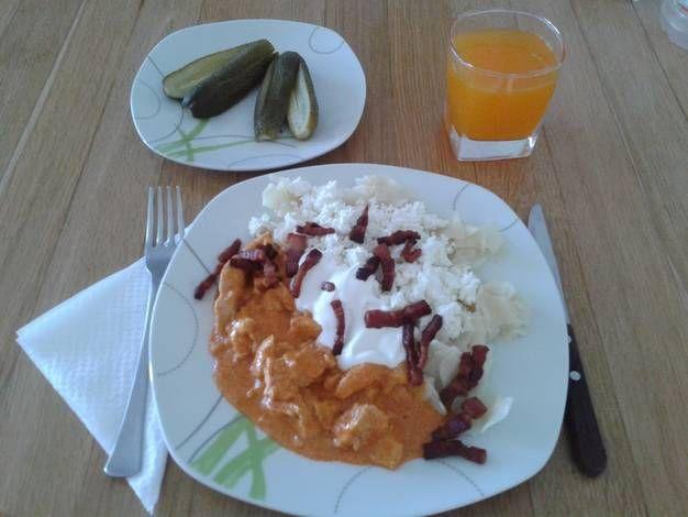 Csirkemell paprikás túrós csuszával, laktózmentesen