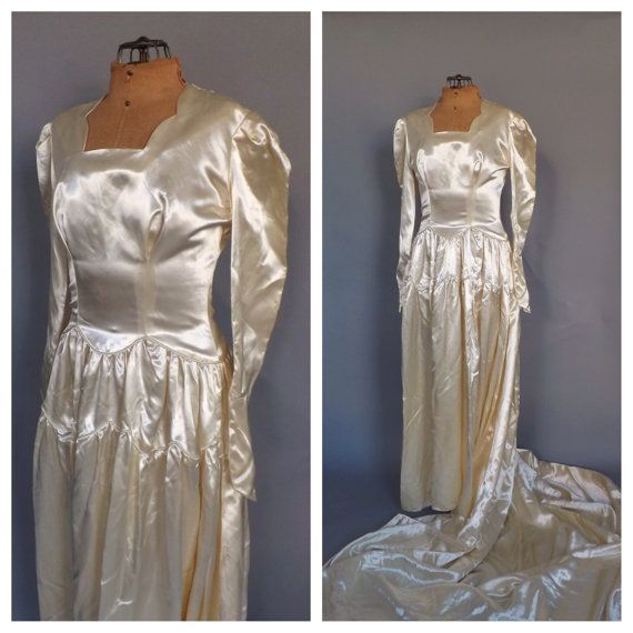 Vintage 1940s Ivory White Satin Wedding Gown 30s Fitted