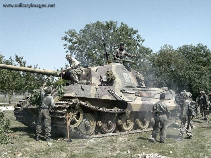 Panzerkampfwagen VII Tiger II  (king tiger) Re-Pinned by HistorySimulation.com