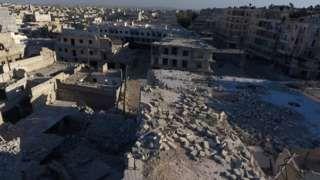 Image copyright                  Reuters                  Image caption                                      La mayor parte de la ciudad siria de Alepo ya está en ruinas.                                Un ataque aéreo contra la zona oriental de la ciudad siria de Alepo, que está bajo control de los rebeldes, impactó el principal hospital de la zona por segun