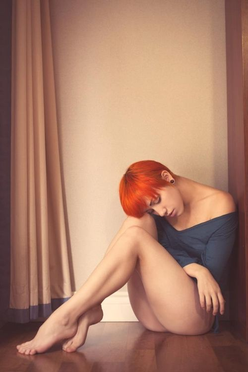 Red hair woman feet and nude