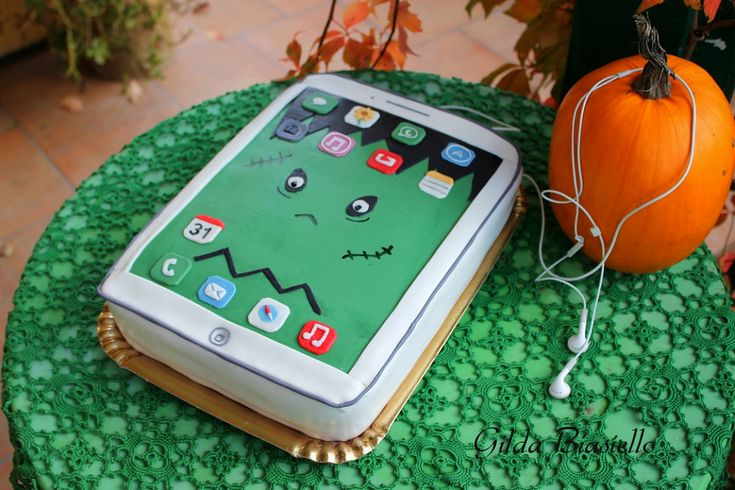 Torta iphone per Halloween
