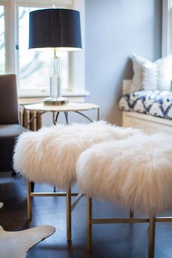 Take a seat.: Faux Fur, Decor Ideas, Living Rooms, Fur Stools, Interiors Design, Extra Seats, Home Decor Bedrooms, Houses Tours, Decor Blog