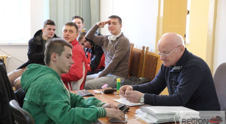 Ruszyła kwalifikacja wojskowa dla ośmiu gmin powiatu wałbrzyskiego. Do badań przystąpi około 410 osób. O tym, czy włożą mundur zadecyduje Powiatowa Komisja Lekarska w Wałbrzychu. Więcej: www.regionfakty.pl