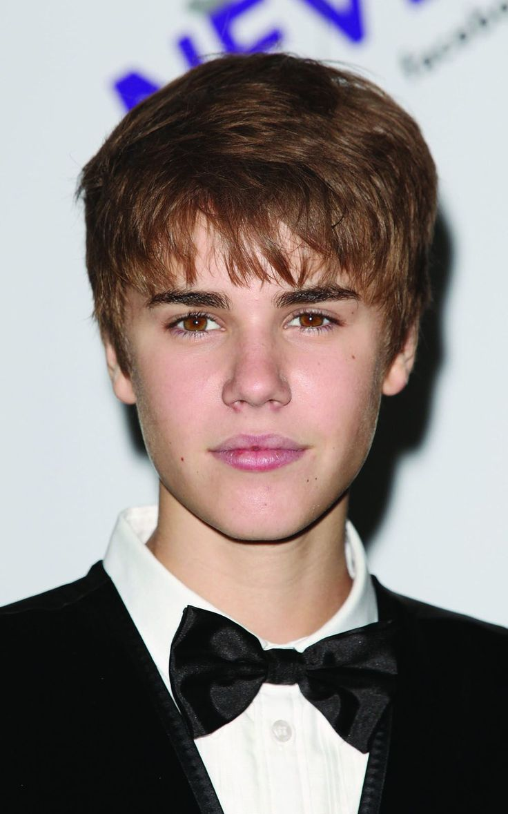 Foyer Colors Justin Bieber : Images of the rapper justin beaver bieber eye