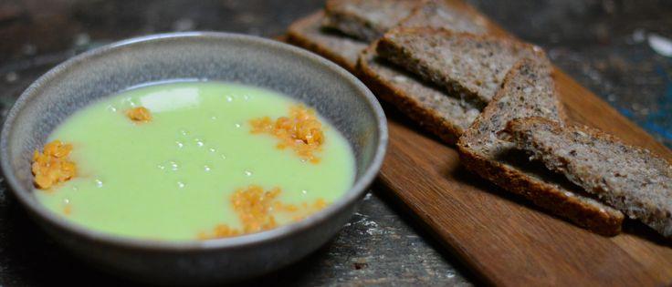Purreløk- og potetsuppe med røde linser og rugbrød fra Kolonihagen Bakeri - Oppskrifter