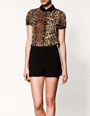 This top would be great for dashing to meetings in the summertime.Chiffon Blouses, Leopards Chiffon, Chiffon Shortsleeve, Lapel Shortsleeve, Chiffon Shirt, Leopards Blouses, Leopards Prints, Shorts Sleeve, Shortsleeve Shirts