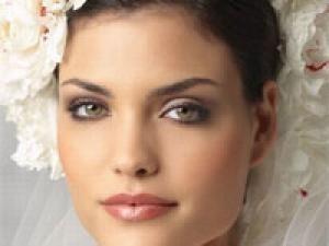 Maquillage Mariée : un teint parfait pour le jour J - par Mariage so Chic