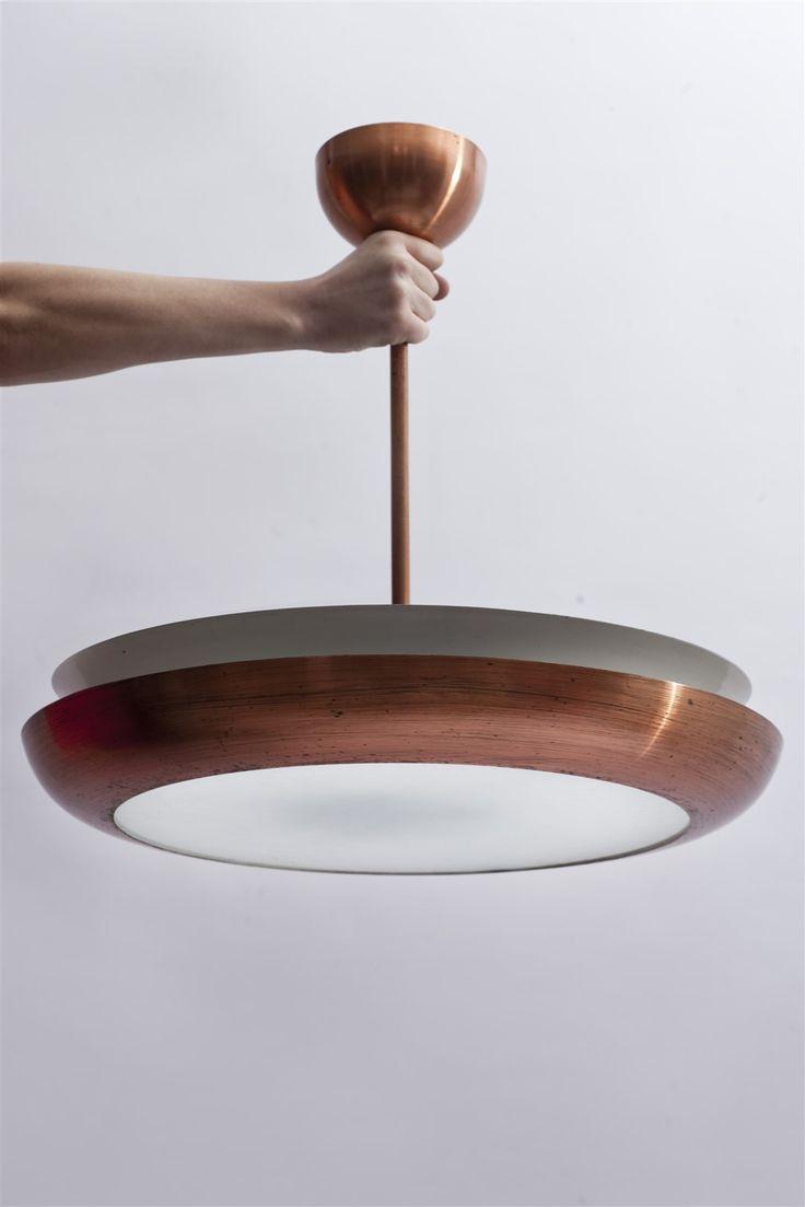 Mosiężna lampa marki Napako, lata '50-'60, projekt Josefa Hurki. Model unikatowy (tzw. UFO), jeden z bardziej wyrazistych firmy Napako. #vintage #vintageshop #vintagefinds #midcentury #midcenturymodern #design #forsale #napako #ufo #lamp