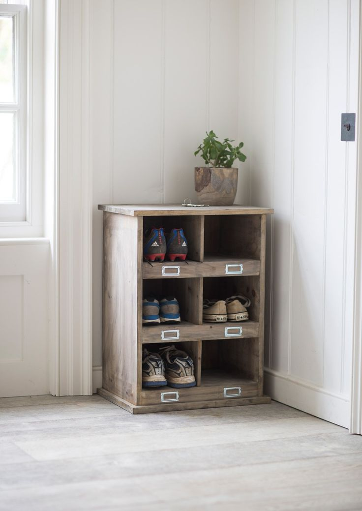 Our rustic Fir Wood Shoe Storage Unit is the perfect way to ensure that all those stray trainers, football boots and pumps have a home.