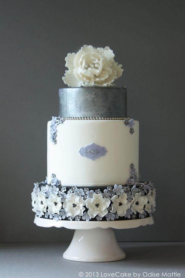 LoveCake | Mit Liebe gemacht Hochzeitstorte Silber von Love Cake by Odise Mattle