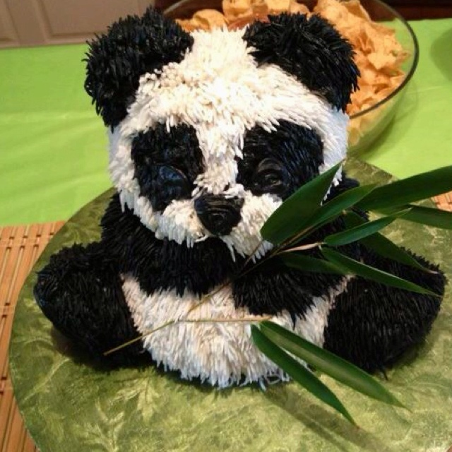3D Panda Cake!! @Karen Jacot Jacot Green!!!! I think i need to have this!! B said it's too cute to eat!