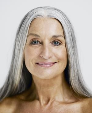 I've compiled my 25 of best makeup tips for older women. Find out how to conceal wrinkles, crow's feet, thinning lips and crepe-y eyelids.: Natural is Best, Don't Overdo Your Makeup